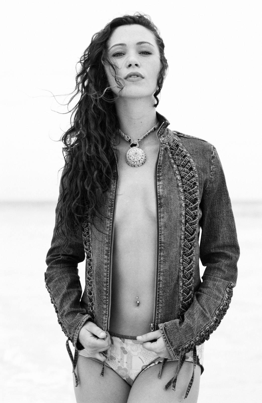 Zara Taylor Nude Photos 95